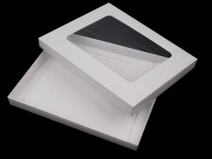 Papīra kaste ar logu