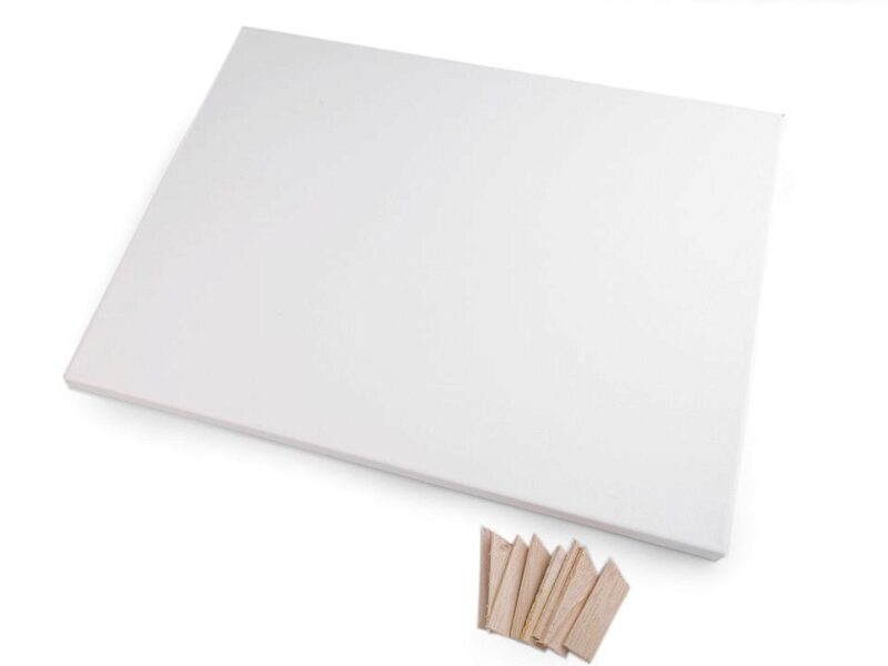 White Stretched Canvas 30x40 cm
